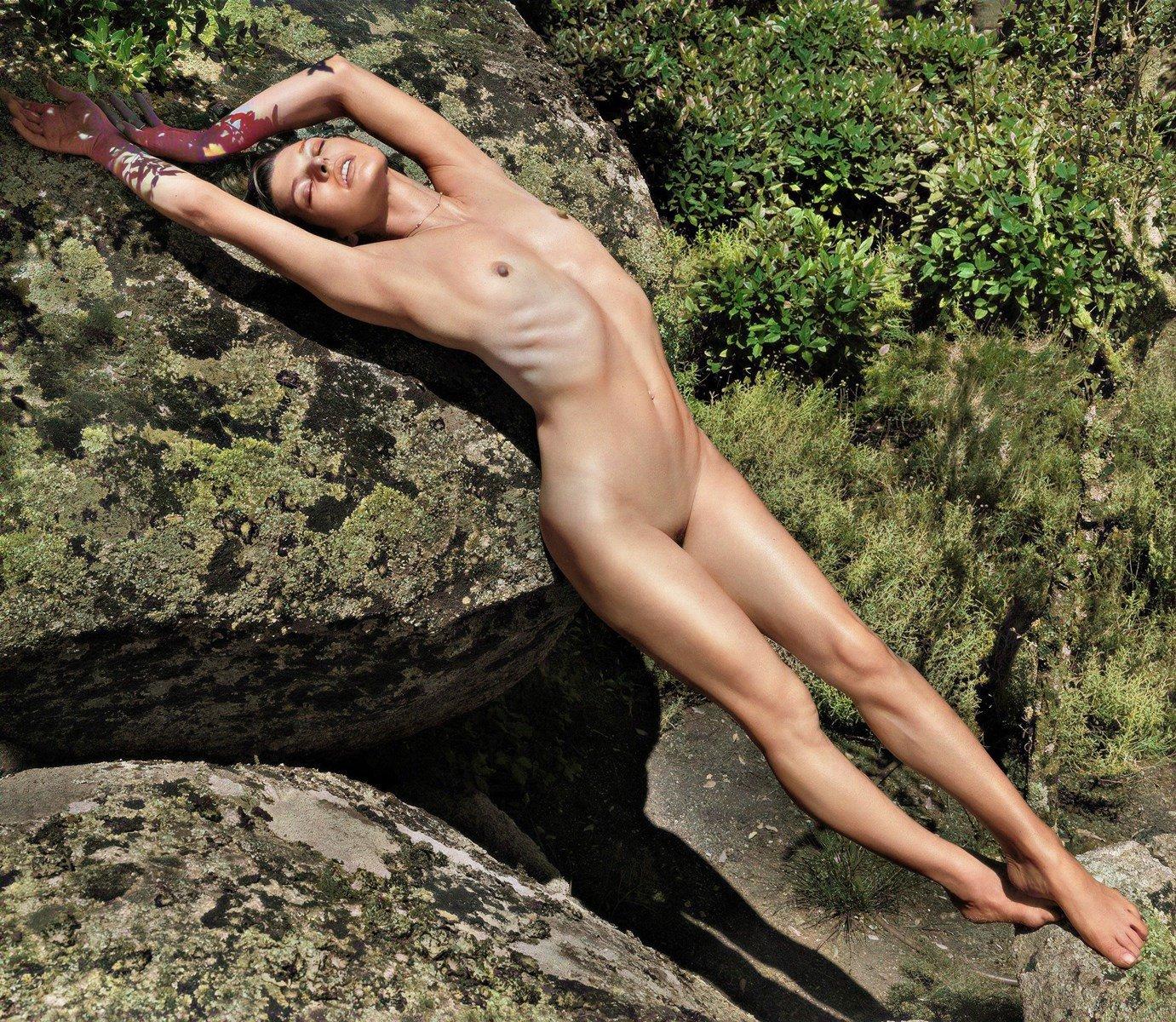nude-celebs, milla-jovovich