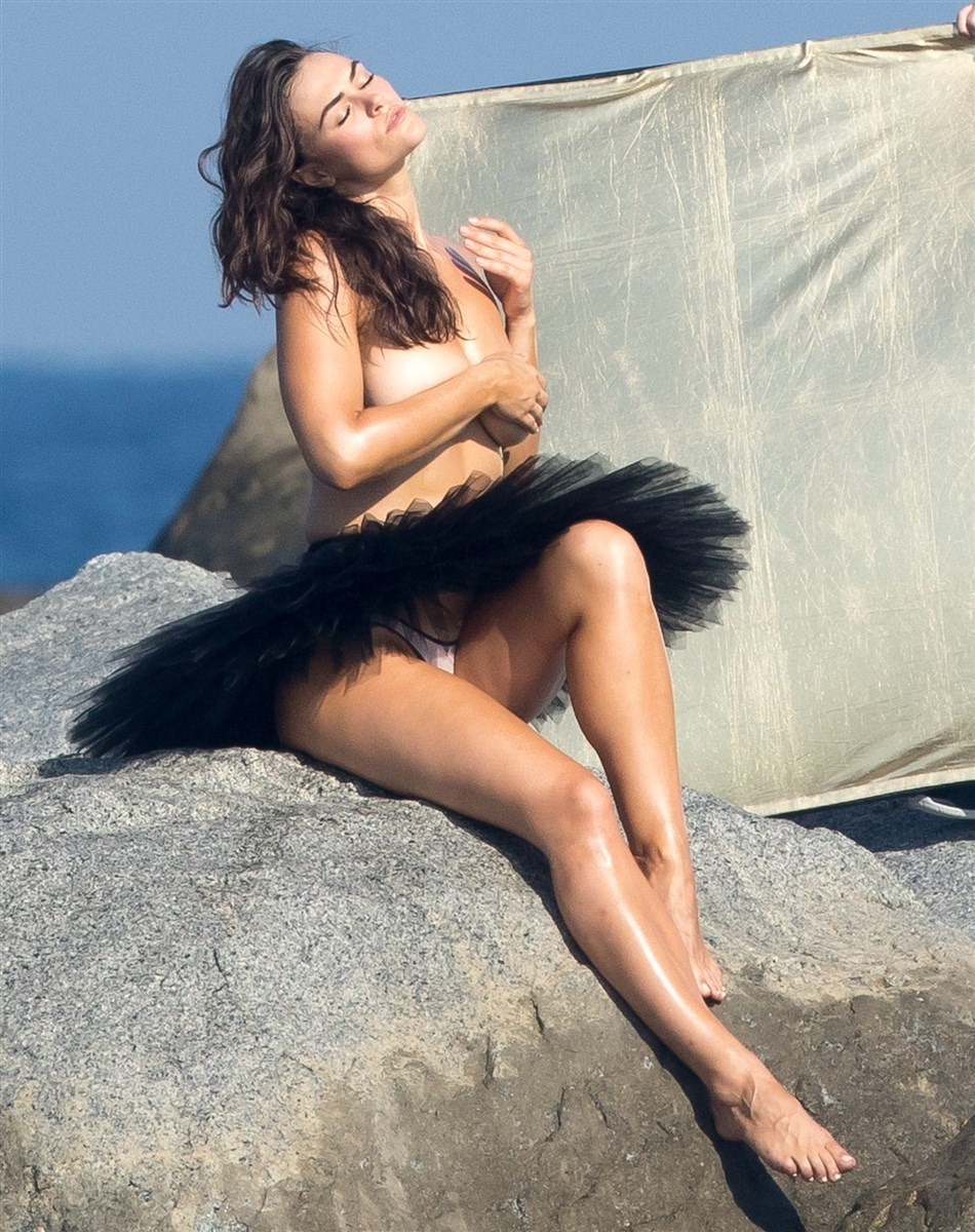 Myla Dalbesio Topless Behind-The-Scenes Of A Photo Shoot