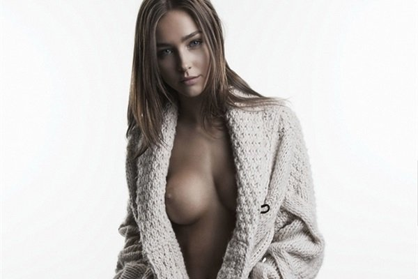 Rachel Cook Nude And Sexy Photo Collection