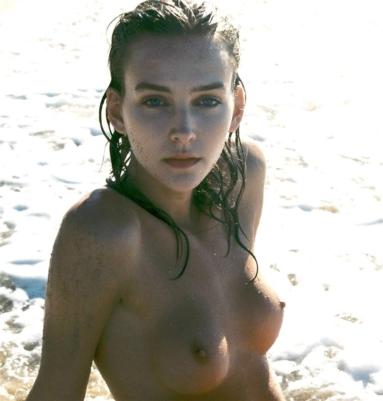 Naked rachael leigh cook
