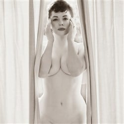 Rose McGowan Poses Nude For Flaunt Magazine