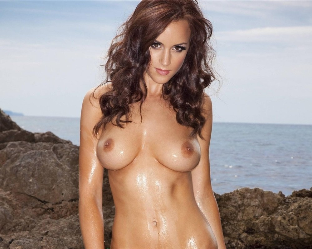 Rosie Jones Nude Pictures