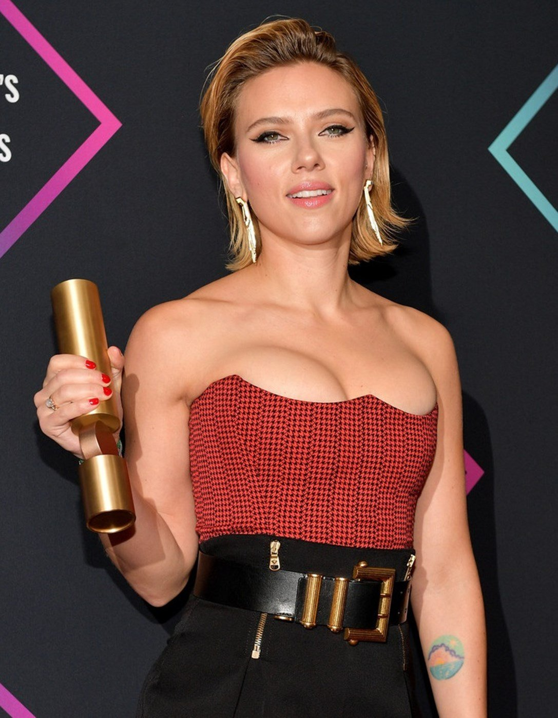 Scarlett Johansson With Her Boobs Pushed Up Fondling A
