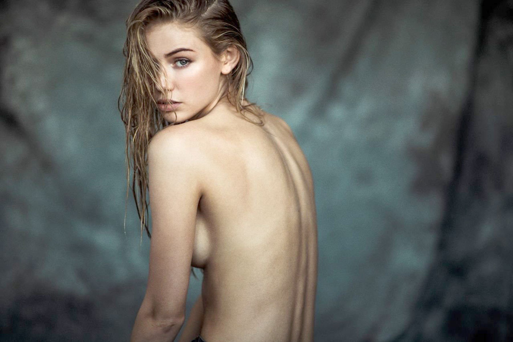 Scarlett johansson naked for playboy