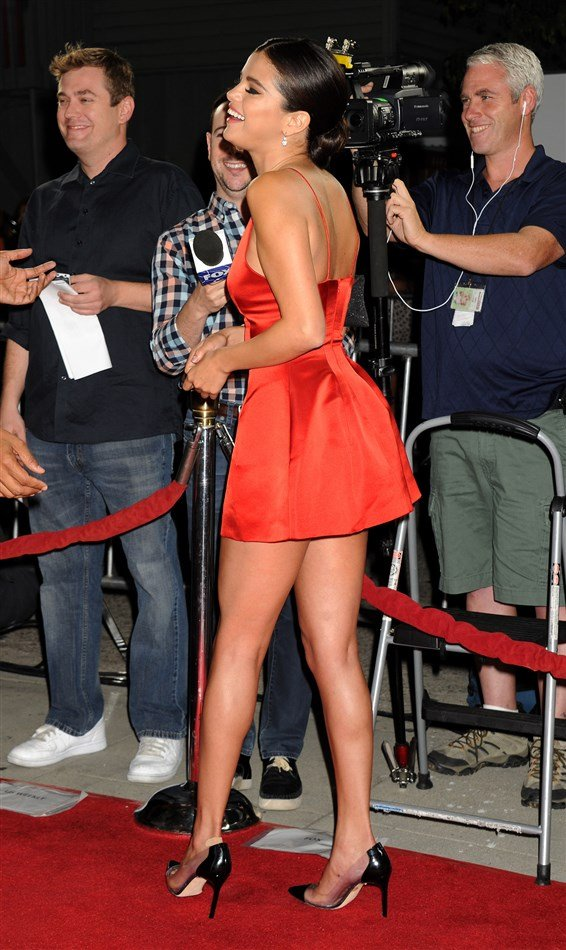 Selena Gomez Whores Herself At The Premiere Of 'Rudderless'