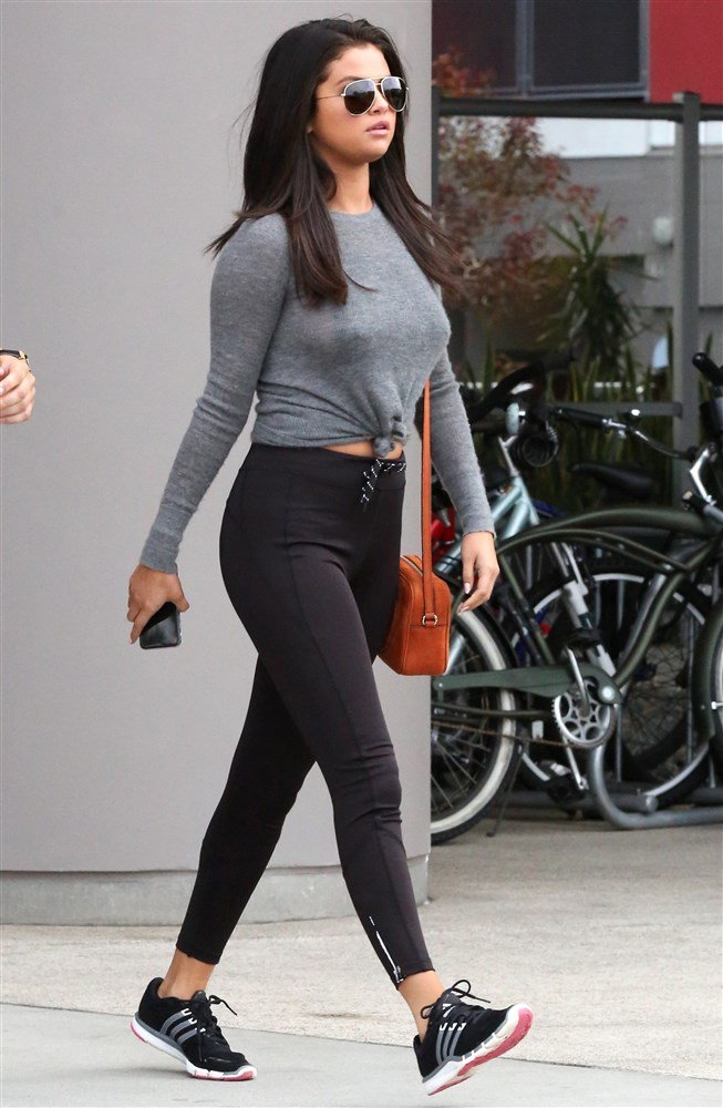 Selena Gomez Takes Her Nips For A Workout