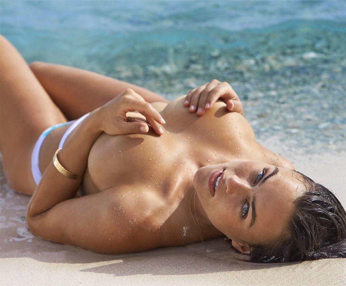 Uncensored Women Nudity