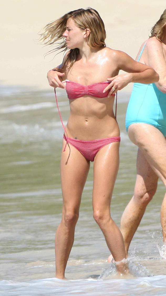 Sienna Miller In A Bikini Fighting With A Butt Weevil   Beauty Plus