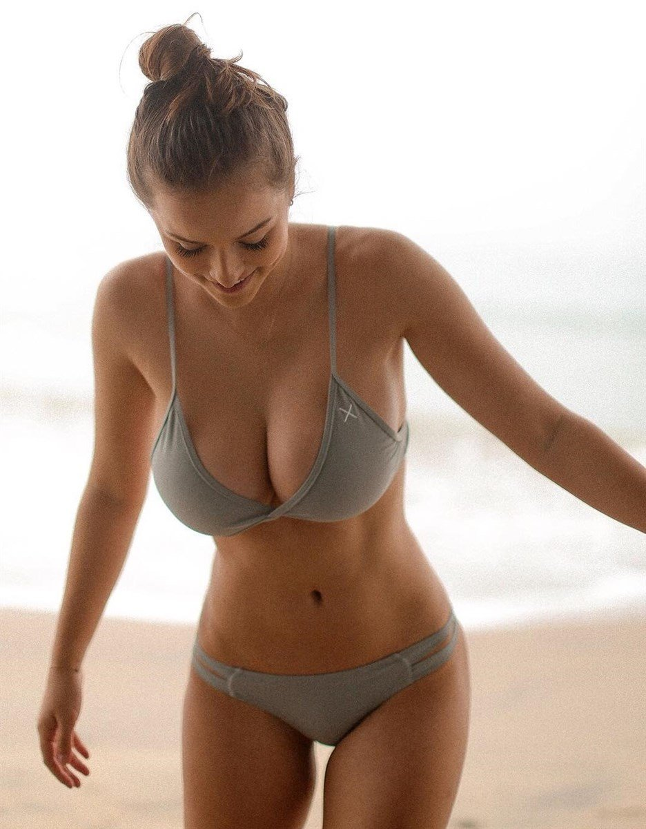 Sophie Mudd Hot Photos Collection