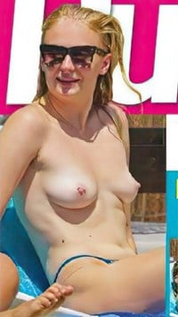 Sophie turner tits