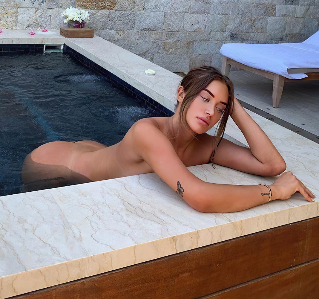 Stassie Nude Selfies Collection