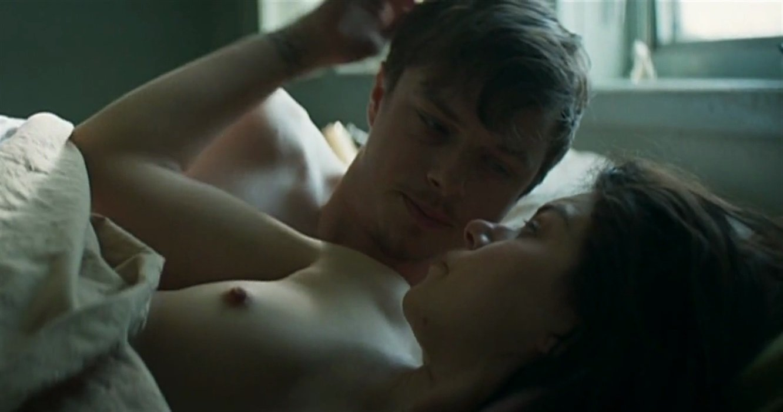 Tatiana Maslany Nude In Orphan Black