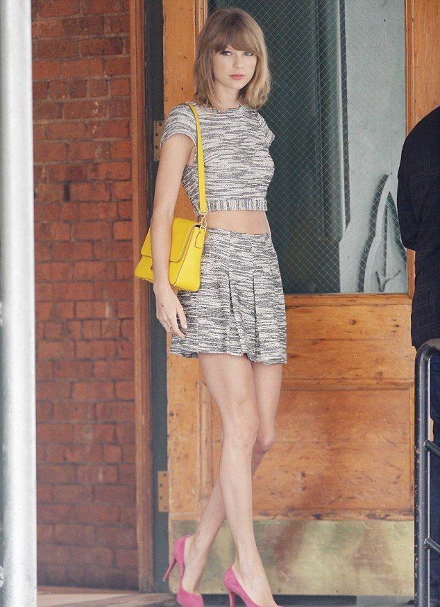 Taylor Swift Out In A Crop Top And Short Skirt