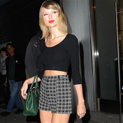 Taylor Swift Terrorizes New York In A Slutty Outfit