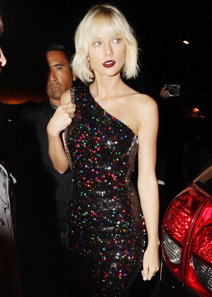 Taylor Swift Attempted Upskirt Pics