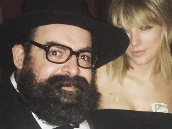 Taylor Swift groped