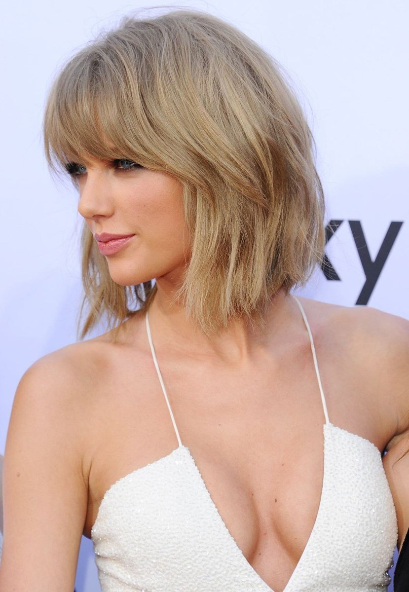 Top Photos Of Taylor Swift S Fabulous Boobs And Cleavage Celeblr