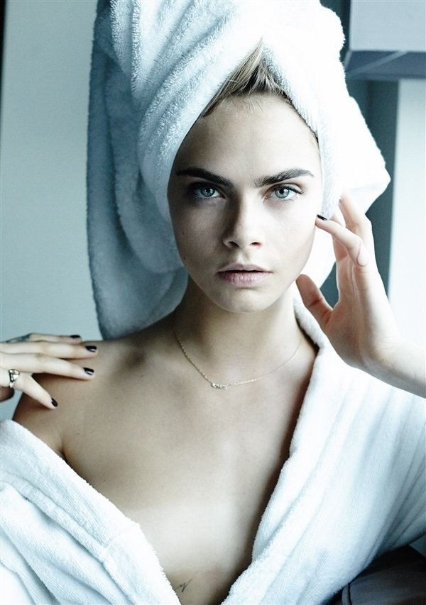 Cara Delevingne towel