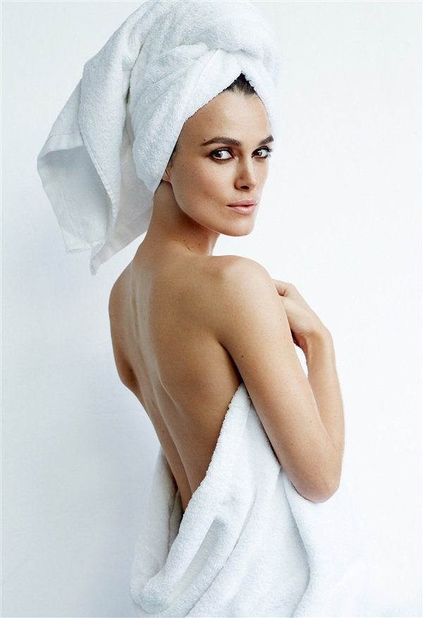 Keira Knightley towel