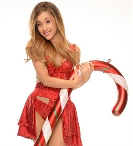 Ariana Grande Santa outfit
