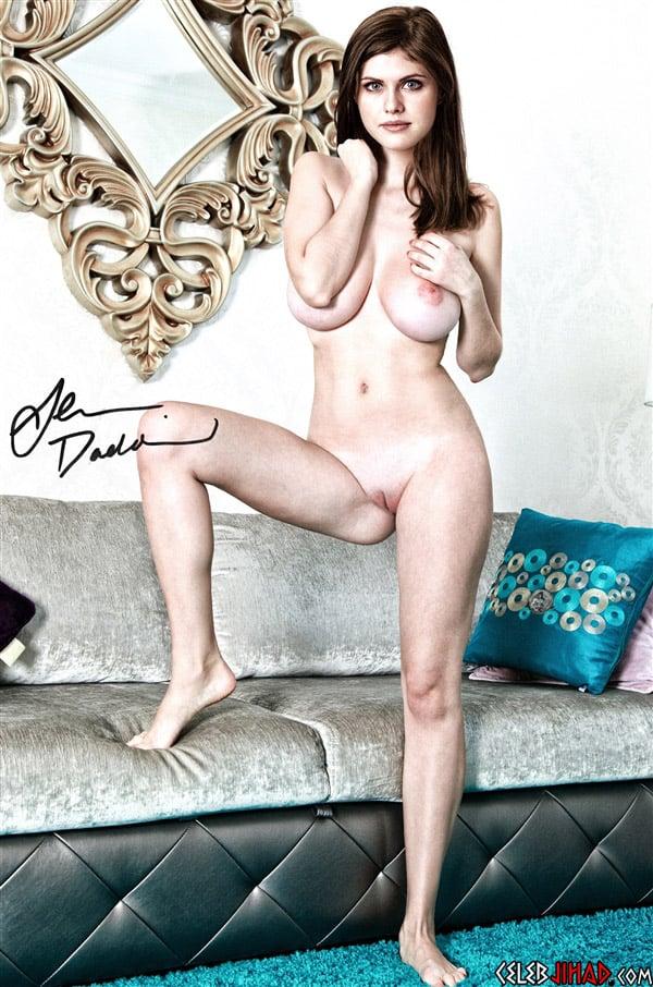 Alexandra Daddario Nackt