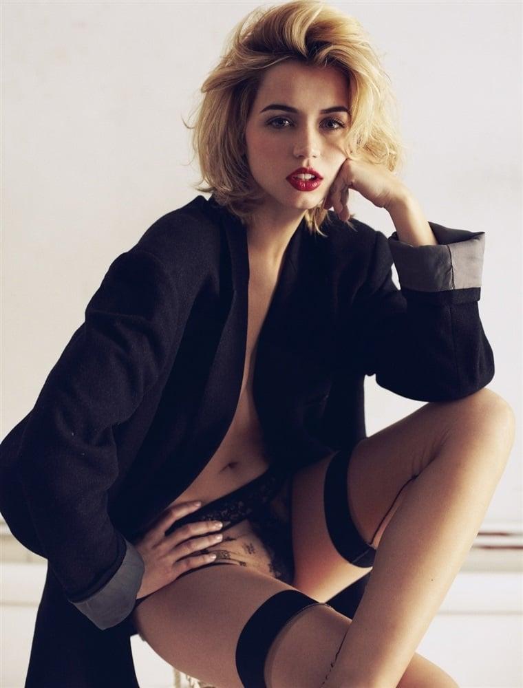 Ana de Armas stockings