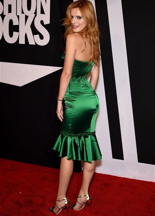 Bella Thorne fashion rocks