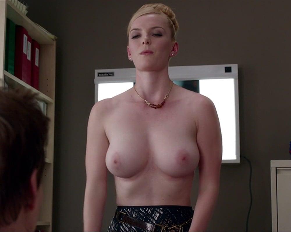 Betty gilpin sex scene