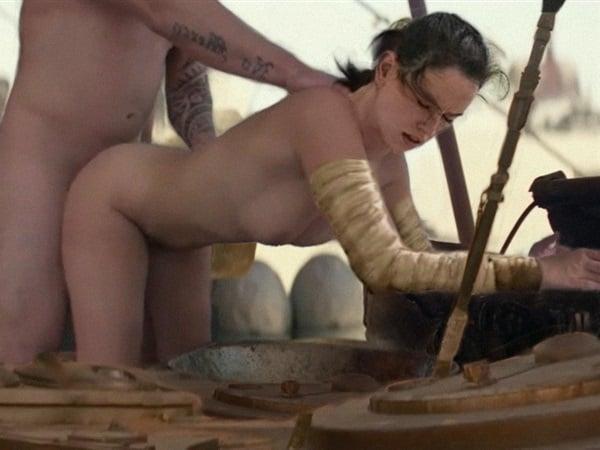 Emma nackt Ridley How pole