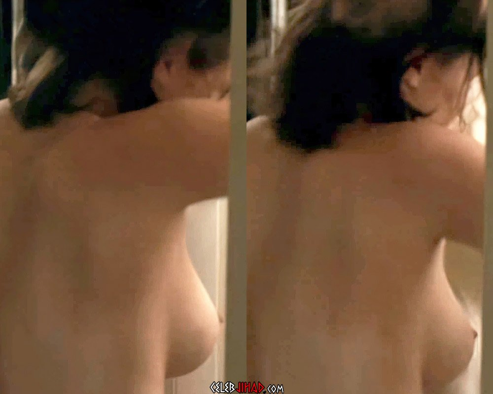 Elizabeth Olsen Topless Side Boob And Nipple In A Dressing Room