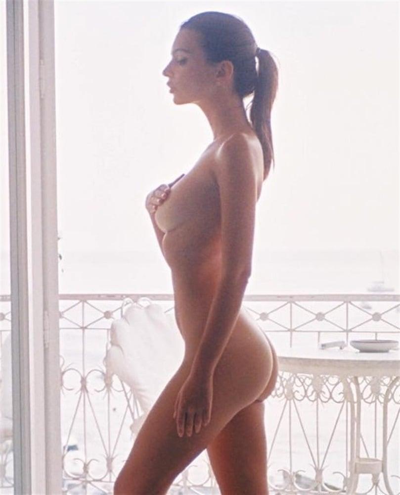 Teen black girl nude