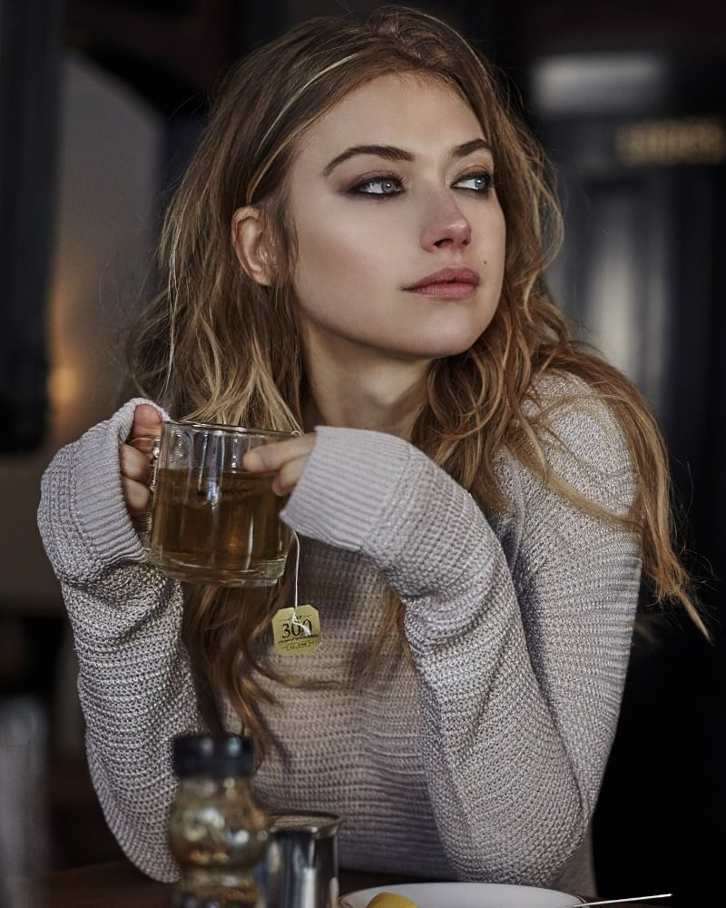 Imogen Poots sexy