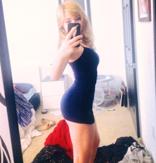 Jennette McCurdy ass