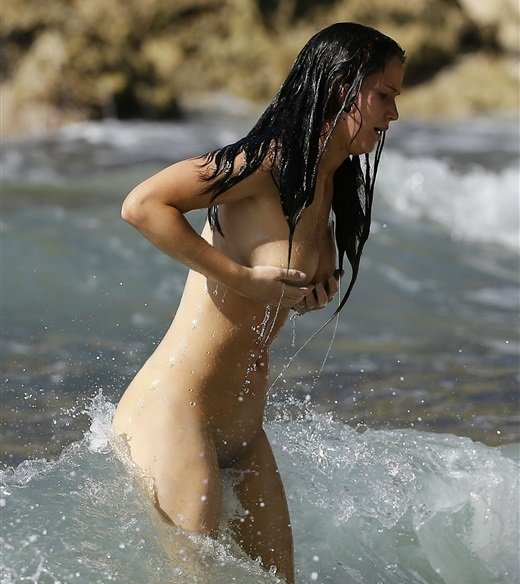 Jennifer Lawrence nude beach