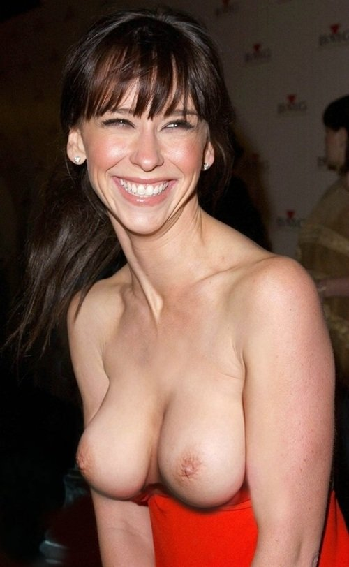 Jennifer Love Hewitt Topless At The Avengers Premiere