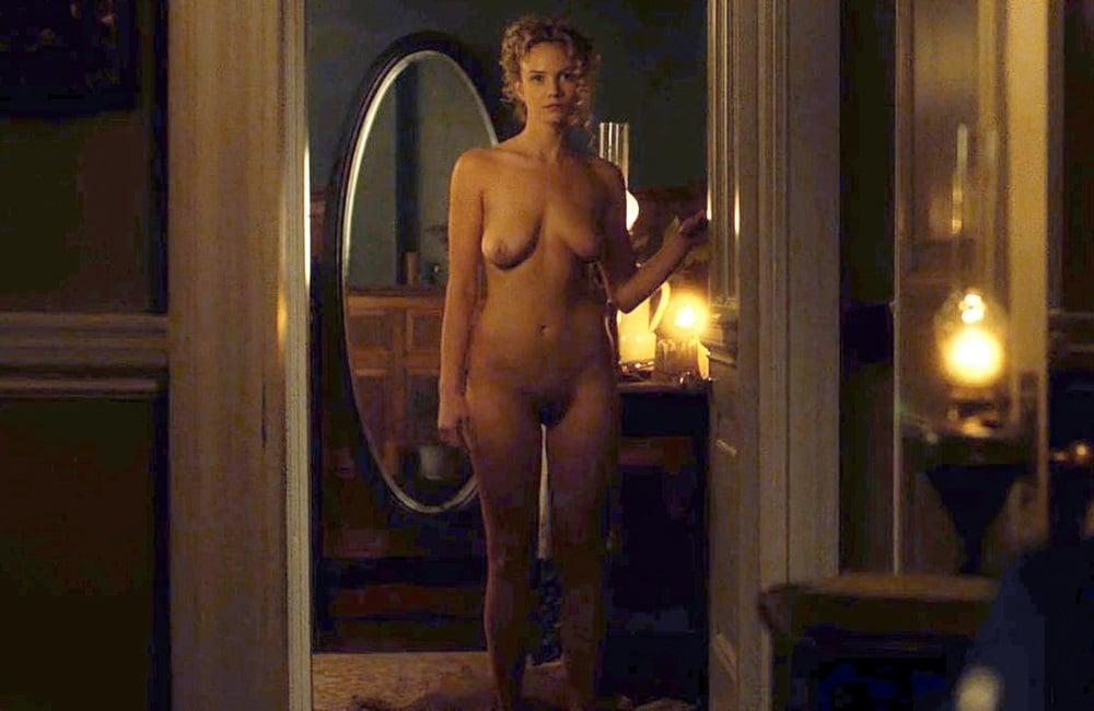 Joanna Vanderham nude