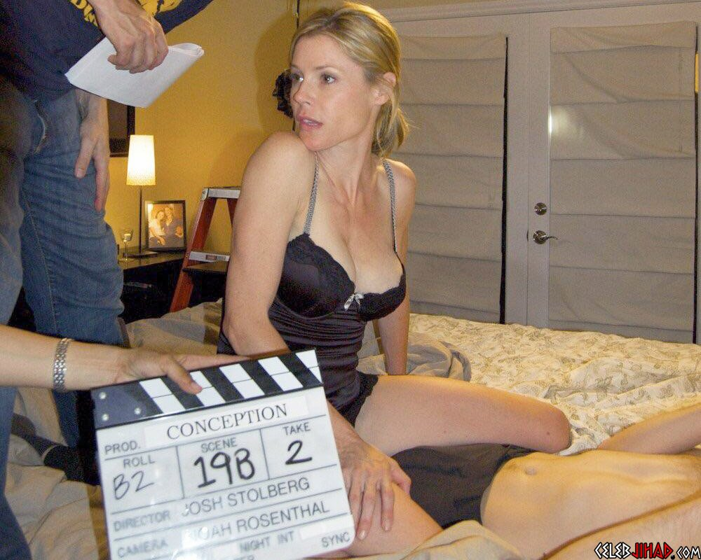 Julie Bowen Nude Tits And Ass And Porno Preview