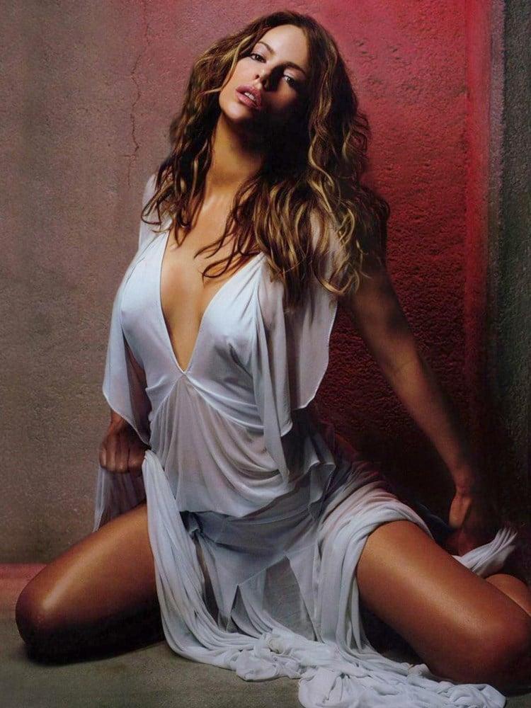 Kate Beckinsale nips