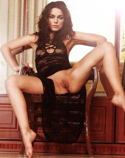 Keira Knightley Naked With Her Legs Spread-2944