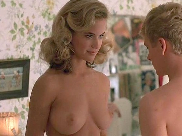 """Alice Eve Stripping In """"She's Out of My League"""" Enhanced"""
