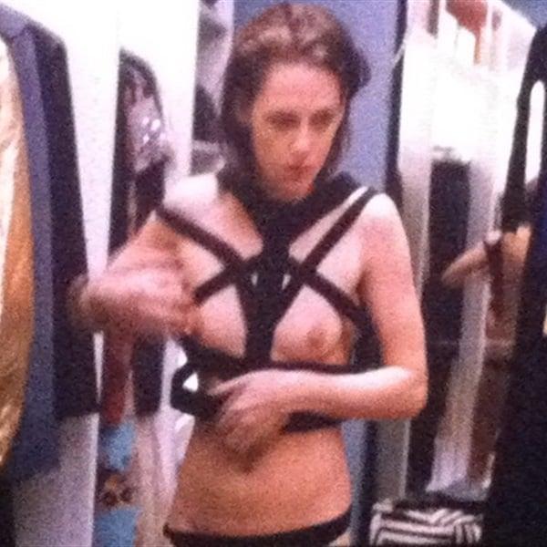 Kristen stewart personal shopper topless