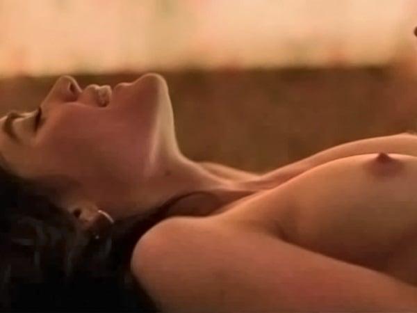 Riley nackt Forbes  Gemma Arterton