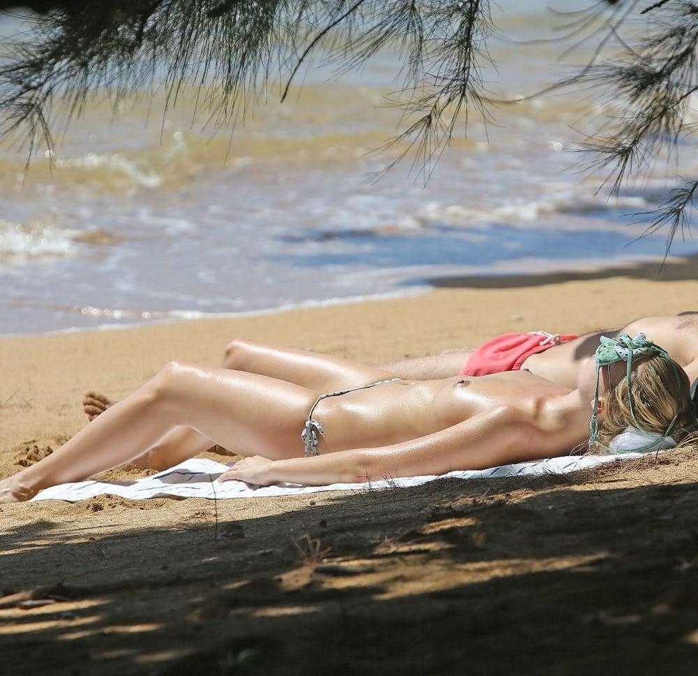 nude (38 photos), Boobs Celebrites images