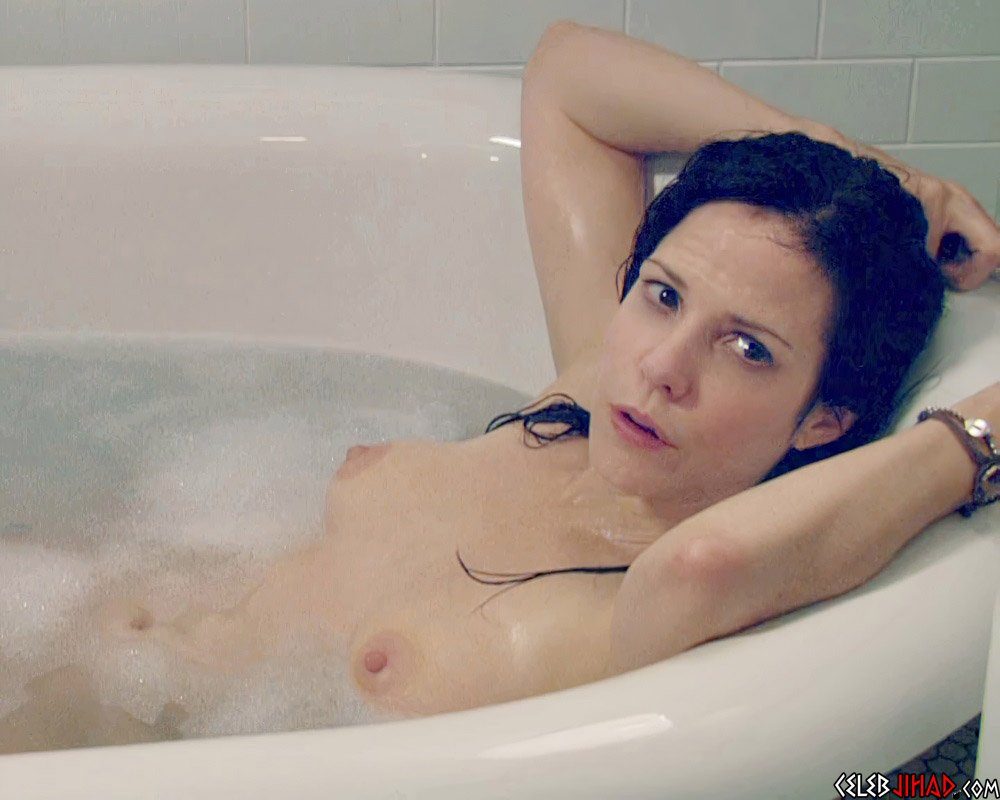 """Mary-Louise Parker Nude Sex Scene From """"Weeds"""" Enhanced"""