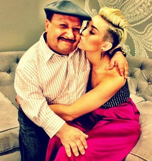 Miley Cyrus Selena Gomez dad