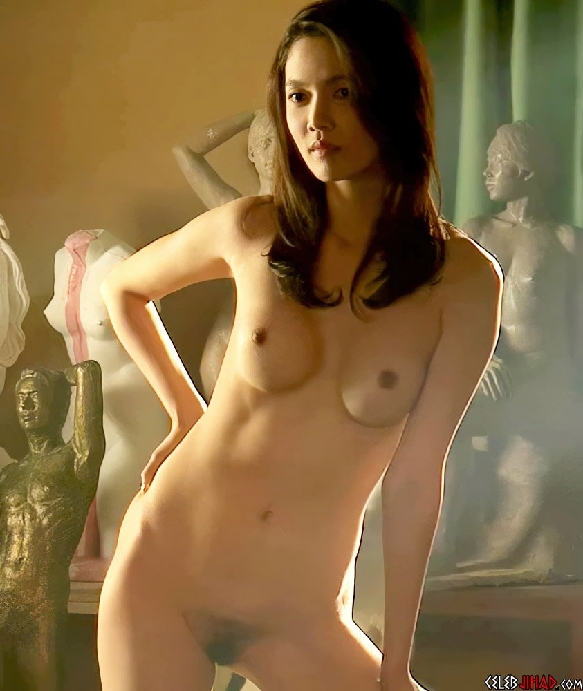 Shelby Chong  nackt