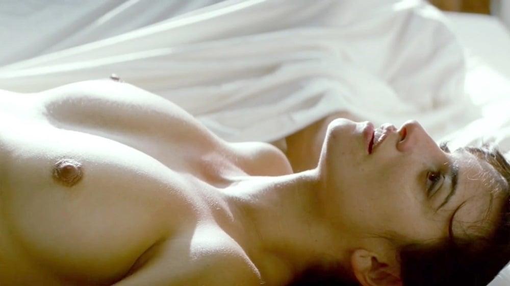 "Penelope Cruz Nude Scene From ""Broken Embraces"" In HD"