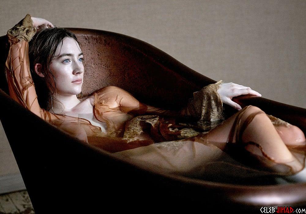 Saoirse Ronan sexy