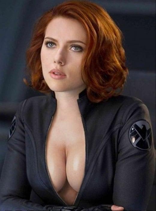 Scarlett Johansson Unveils Her New Costume For Avengers