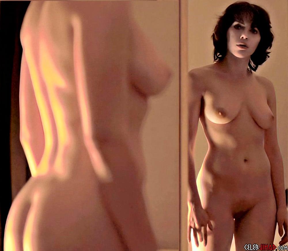 Scarlett johansson boobs pic